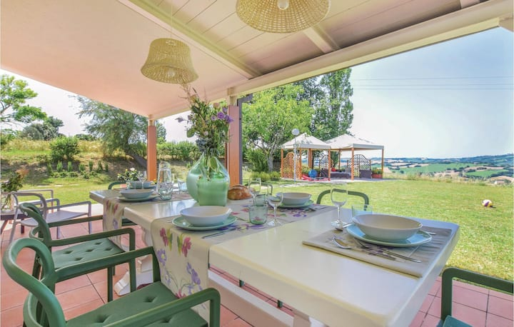 Awesome home in Fano -PU- with Jacuzzi, WiFi and 2 Bedrooms