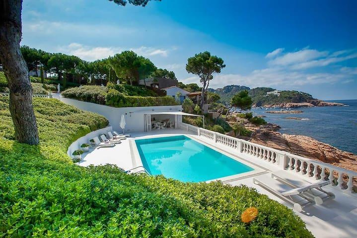 Exclusive Costa Brava six suite-style bedrooms - Begur - House