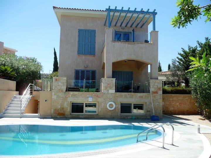 Villa with Pool on Yiannakis Beach nr Latchi