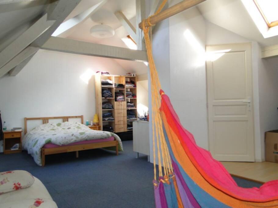 chambre de 35 m2, très lumineuse