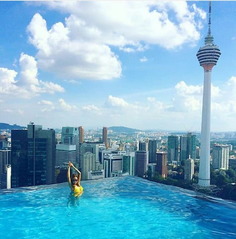 Fantastic Pool With KLCC View at Platinum Suite