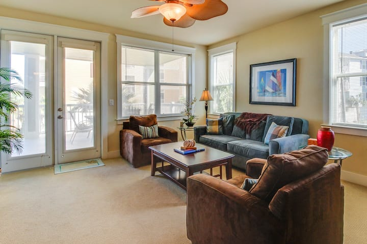 Large Pointe West oceanview condo w/ shared pool in a prime location!