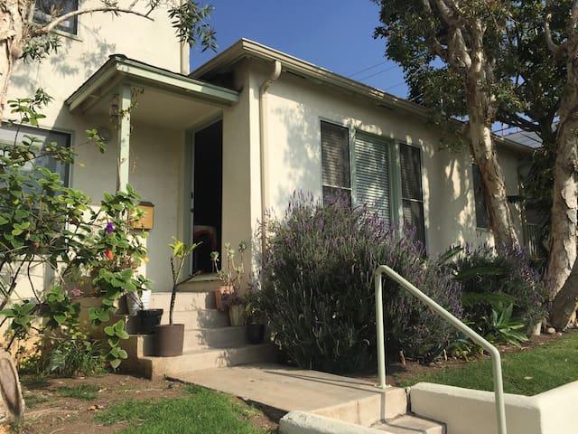 Santa Monica Bungalow - Santa Monica - Condominium