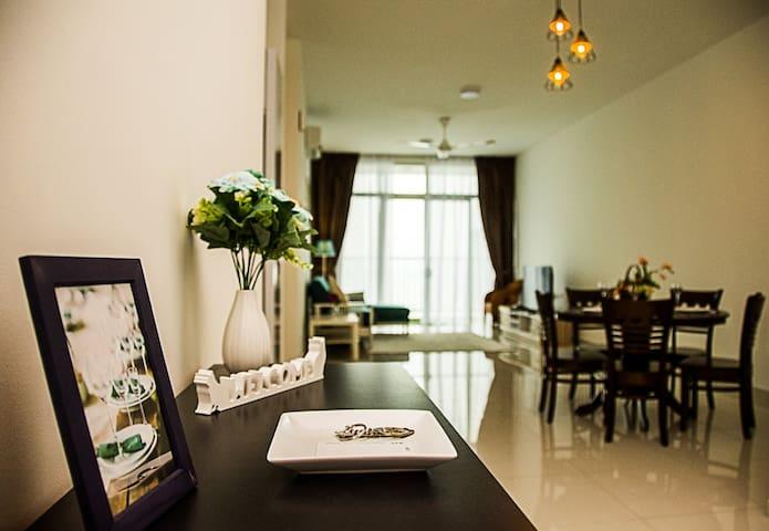 Gohgi Homes-New Seaview Suite in Georgetown 乔治市