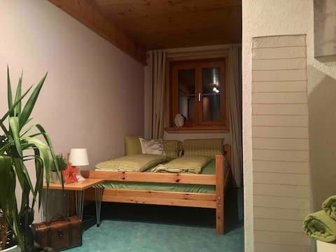 Privatzimmer mit Doppelbett