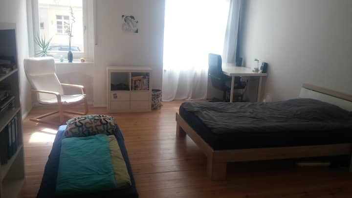 Sonnige Wohnung in Charlottenburg sucht Gäste