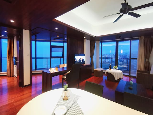 博鳌亚洲湾顶层大使套房  一室一厅 180°海景视野 观日出日落 超大客厅 可做饭海钓