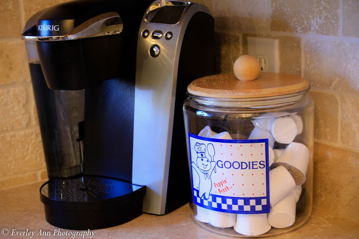 That's right, complimentary Keurig with K-cups and a refillable cup if you like to bring your own.