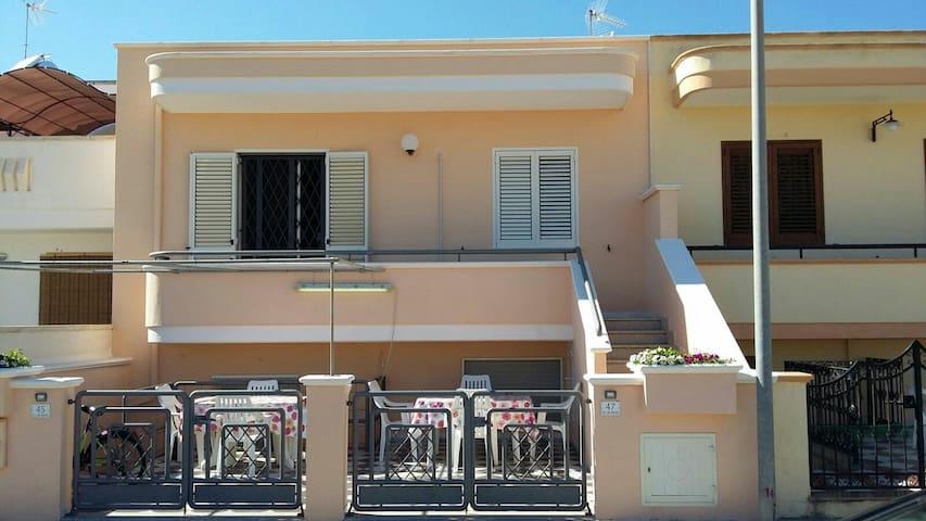 Casa vacanza rilassante - Torre San Giovanni - Dům