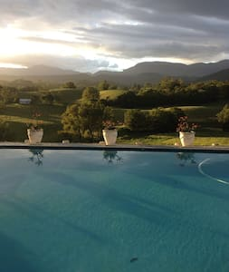 Spa bath cabin with mountain views - Murwillumbah