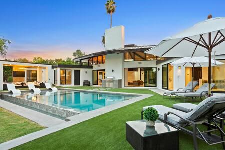 $$ Multi-Million LUXURY Modern Home on Golf Course