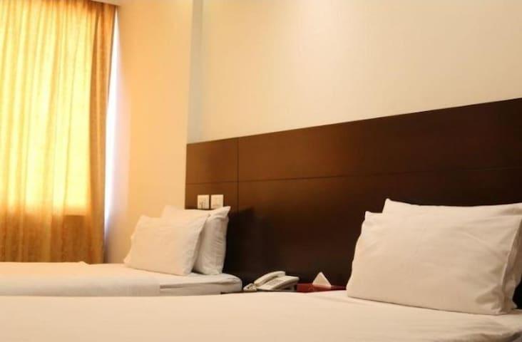 Hamra main street premium twin beds with breakfast
