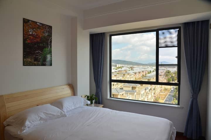 腾冲乐家旅居客栈——8楼有电梯观日出1.5米宽双人大床房
