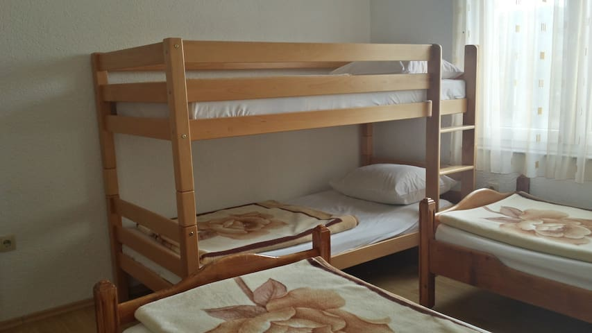 Economy Quadruple Room Pansion Hotel Glory 100350 - Međugorje - Bed & Breakfast
