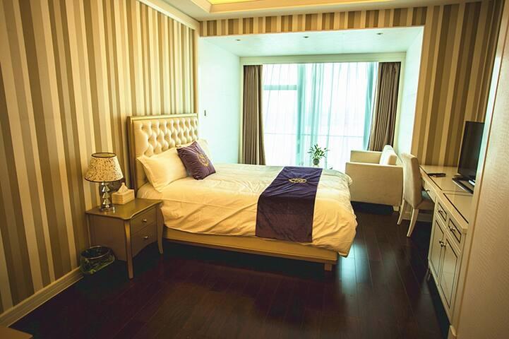 奢享厦大世茂双子塔全海景轻奢精品大床房 - Xiamen - Huoneisto