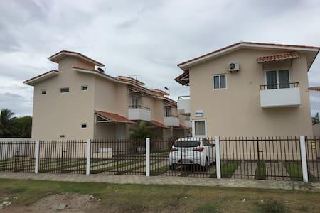 Casa em Condomínio - Praia Bela - Pitimbu - 独立屋