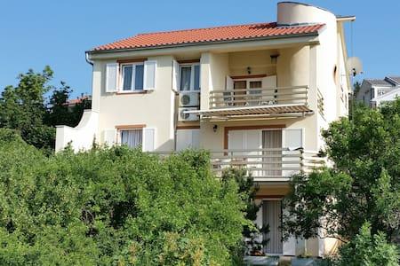 Apartment Kristina 2 - Klenovica
