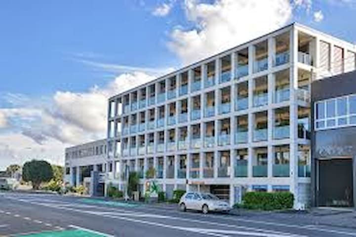 Stylish apartment in heart of Kingsland - Auckland - Byt