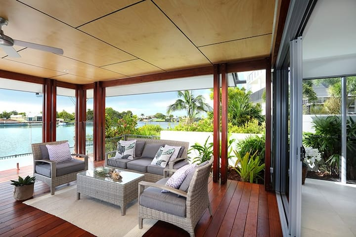 Luxury Waterfront home - Sunshine Coast - Kawana Island  - Hus