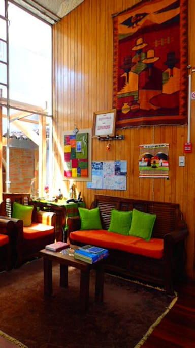 sala común decoración cultural de otavalo