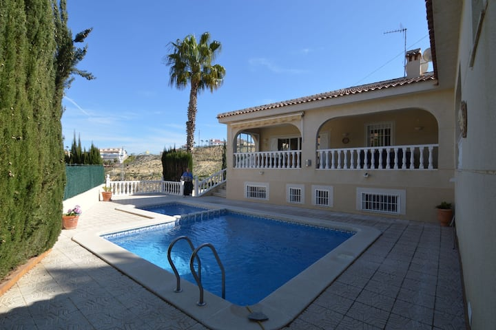 Cozy Villa in Rojales with Private Swimming Pool