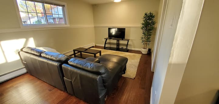 1 bedroom apartment 4km from Downtown Moncton!