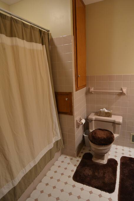 Just ten (small) steps away is a full bathroom.