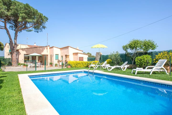 Lovely house with private pool at 3km and 4km from Palafrugell and Begur