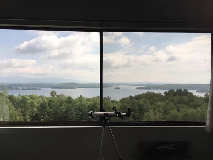 Stunning Views of Lake Winni