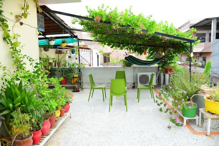 Bhor Heritage Home, Single Room