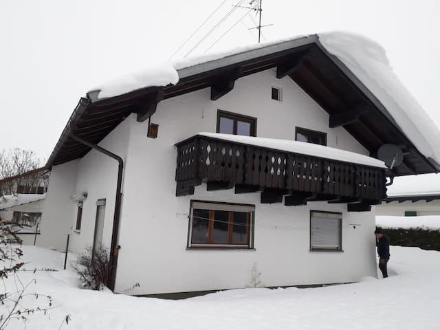 Doppelzimmer mit Balkon und Bergblick