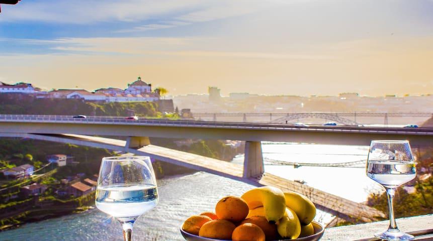 Terrace & River View: Fairy-Douro River Apartment - Porto - Apartament