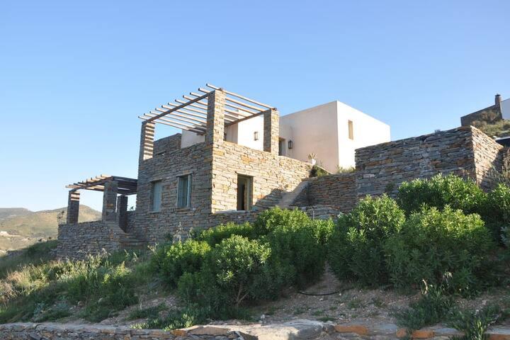 The artist's Villa - Kea, Otzias