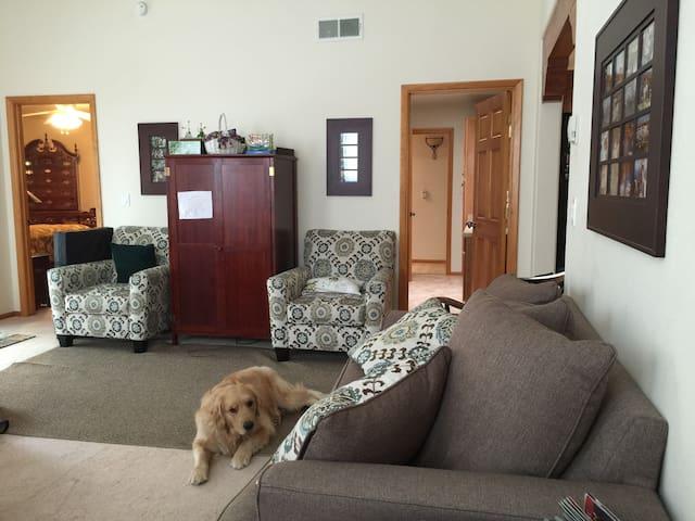 Sunny, Family/Pet-Friendly Home