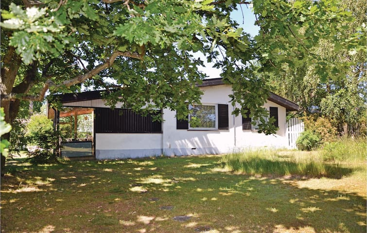 Holiday cottage with 3 bedrooms on 80m² in Solrød Strand