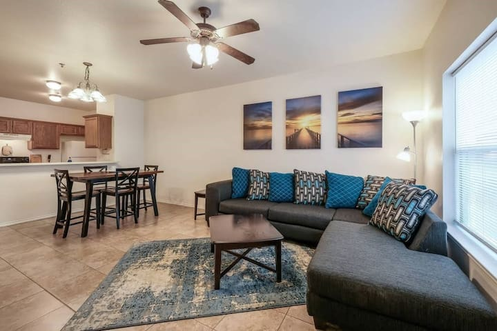 AA2   4 MIN TO MEDICAL CENTER   2 BED {SAFE AND QUIET}