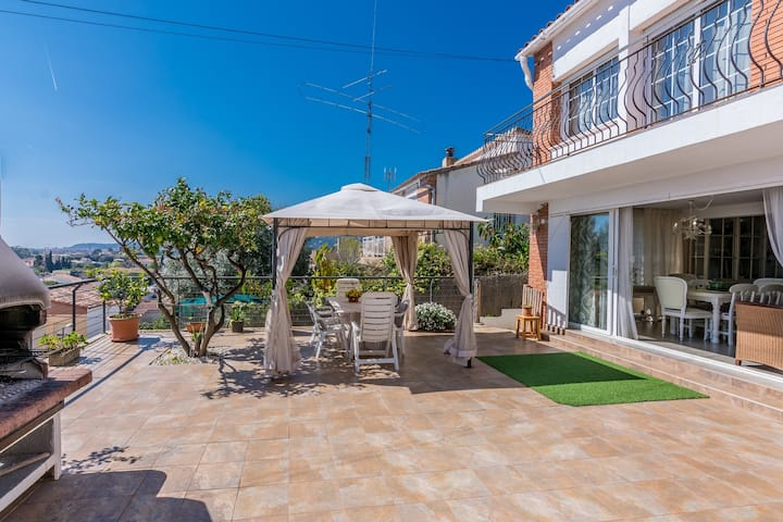 OP HomeHolidaysRentals Delphi - Costa Barcelona