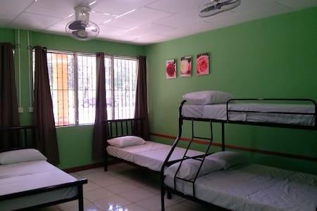 Cómoda habitación 3-6 personas. - Moyogalpa
