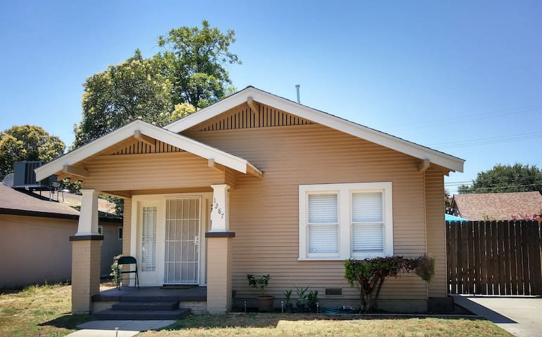 Charming Bungalow - Read Listing Details First!