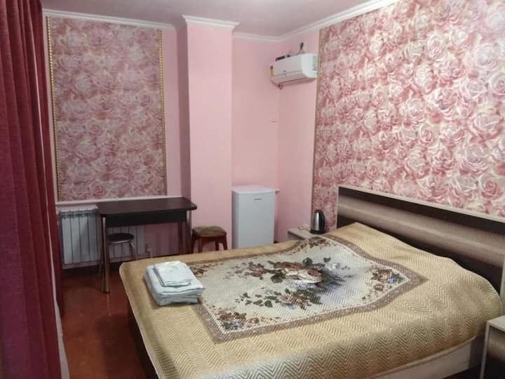Номер в гостевом доме с видом на  Азовское море