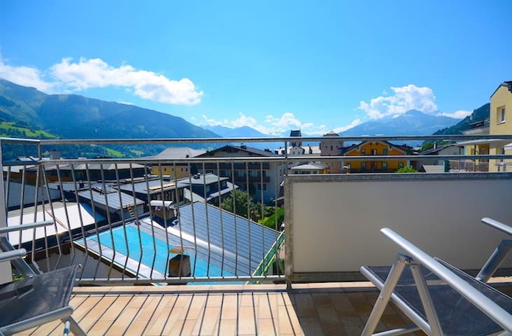 Apartment Hensel - bright apartment in the center of Zell am See, 200m from the Zeller Lake