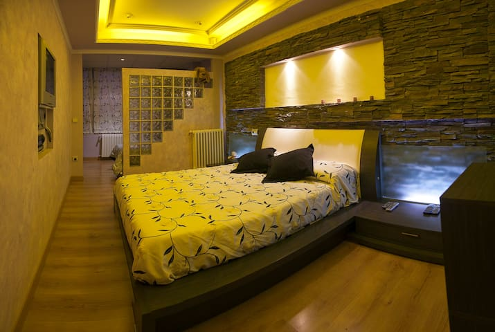 Apartamento de 130 m con jacuzzy - Saragossa - Wohnung