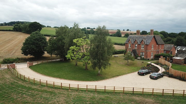 Ensuite Farmhouse B&B, Cullompton, Near Exeter