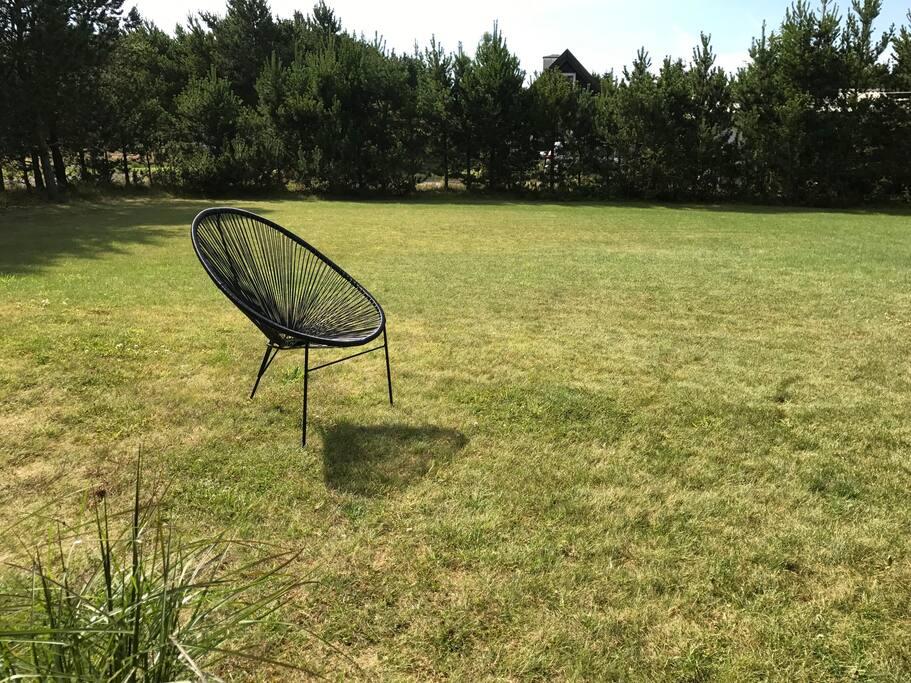 Stor hage utenfor