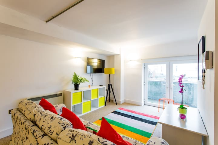2BD Cardiff's Clubbers Paradise - Cardiff - Apartment