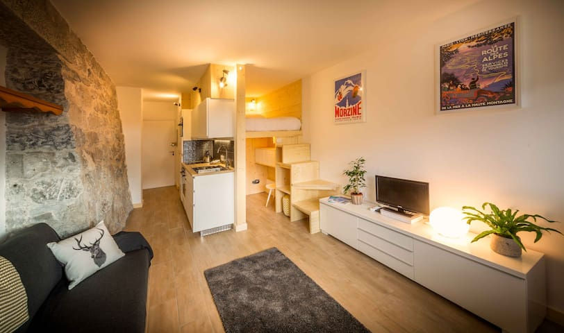 Modern Self Catered Central Studio Ski Apartment - Morzine - Apartemen