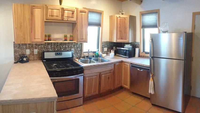 Charming guest house - Ranchos de Taos - Huis