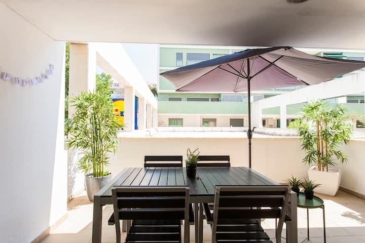 Apartamento sossegado com terraço isolado
