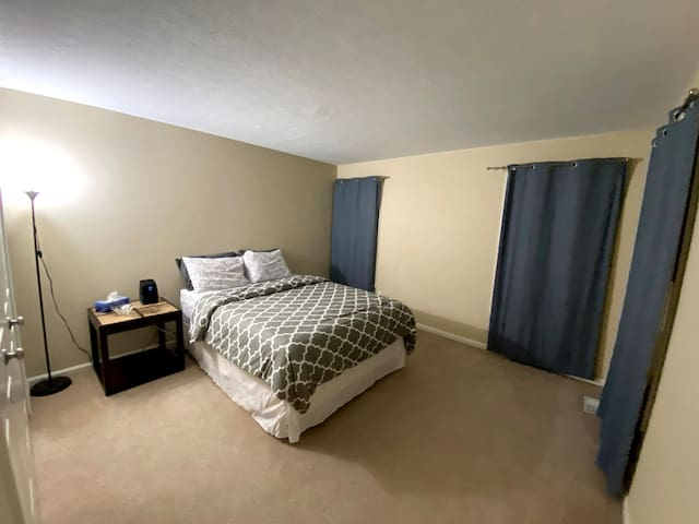 Private Bedroom & Bathroom Near Cleveland Clinic