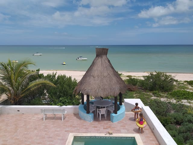 Chicxulub BEACHFRONT House, Beach Paradise!